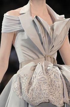 Christian Dior Haute Couture FW 2008 #fashion #runway #details