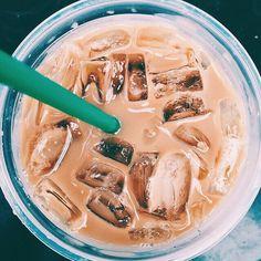 7 Rewarding Tips AND Tricks: But First Coffee Shirt coffee girl vintage. Copo Starbucks, Starbucks Drinks, Starbucks Coffee, Iced Coffee, Coffee Drinks, Coffee Menu, Coffee Scrub, Coffee Creamer, Cozy Coffee