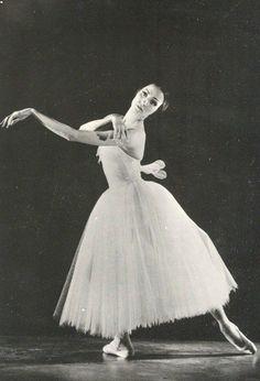 Natalia Bessmertnova as Giselle.