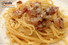 """La pasta alla gricia è un piatto tipico della cucina laziale. Si basa su pochi ingredienti che, opportunamente combinati tra loro, danno origine a un piatto molto saporito. E' chiamata anche """"amatriciana bianca"""" perchè contiene gli stessi ingredienti dellaclassica pasta all'amatriciana a eccezione del pomodoro. Preparazione In una padella mettete a scaldare qualche cucchiaio di […]"""
