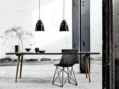 Steel columns and wooden table - simple yet effective