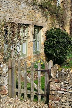 Stone wall and gate Garden Doors, Garden Gates, Country Life, Country Living, Fence Gate, Fencing, Picket Gate, Stone Houses, Cozy Cottage