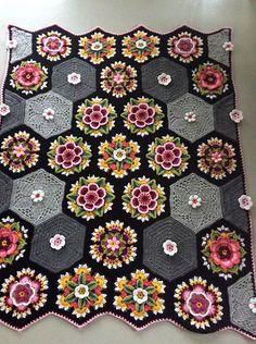 Ravelry: Snowienowie's Frida's Flowers Blanket