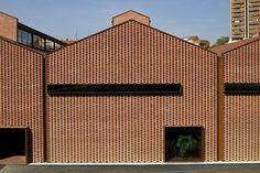 Gallery of Espai Baronda / Alonso y Balaguer - 1