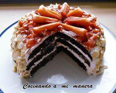 Receta paso a paso de tarta de fresas con nata y chocolate, una combinación estupenda para celebrar un día especial.