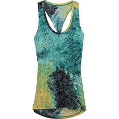 Super soft and comfortable, the Daybreak Tank with burnout details is lightweight, breathable, and has four-way stretch that will keep up with a busy you.