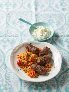 Hackröllchen mit Tomaten-Bulgur, ein schmackhaftes Rezept mit Bild aus der Kategorie Gemüse. 11 Bewertungen: Ø 3,9. Tags: Gemüse, Getreide, Hauptspeise, Reis, Rind, Schwein