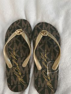 Michael Kors signature flip flops size 8, good condition. Please let me know if you have any other questions. Thank you! Michael Kors Sandals, Flipping, Flip Flops, This Or That Questions, Men, Shoes, Fashion, Moda, Zapatos