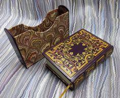 Beautiful bookbinding work by the master bookbinder Nathan Gutorov in Netanya, Israel; marbled papers by Flavio Aquilina, Italy.