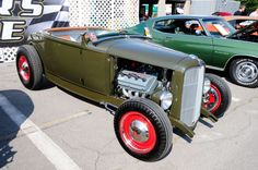 1932 Ford Roadster Maintenance of old vehicles: the material for new cogs/casters/gears/pads could be cast polyamide which I (Cast polyamide) can produce. My contact: tatjana.alic14@gmail.com