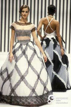 Karen Mulder for Valentino, Spring-Summer 1992, Couture