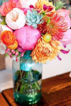 Get inspired and creative around your home with a round up of our favorite DIY flower arrangements and ideas for unique vases and vessels. Mason Jar Flower Arrangements, Mason Jar Flowers, Floral Centerpieces, Diy Flowers, Flower Vases, Wedding Centerpieces, Floral Arrangements, Centerpiece Ideas, Peony Bouquet Wedding
