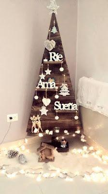 13 Hermosas ideas de árboles navideños hechos con madera ~ cositasconmesh