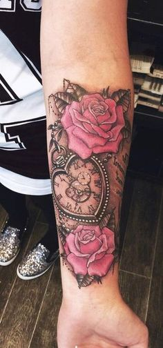 Vintage Red Colorful Clock Rose Forearm Tattoo Ideas for Women for Teen Girls - . Vintage Red Colorful Clock Rose Forearm Tattoo Ideas for Women for Teen Girls - Watch Flower Arm Sleeve Tat Roman Nu Trendy Tattoos, New Tattoos, Small Tattoos, Watch Tattoos, Tiny Tattoo, Popular Tattoos, Wolf Tattoos, Girl Tattoos, Tatoos