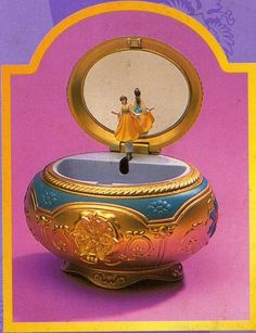 A different take on the music box from 'Anastasia' Anastasia Music Box, Anastasia Movie, Anastasia Musical, Disney Anastasia, Princess Anastasia, Anastasia Russia, Anastasia Romanov, Disney Music Box, Disney Pictures