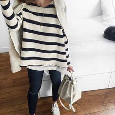 Stripes style de Audrey Lombard avec le top Ines rayé #MargauxLonnberg à retrouver sur Shopnextdoor.fr #ootd #stripes #shopnextdoor
