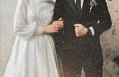 Muslimah Wedding Dress, Muslim Wedding Dresses, Dream Wedding Dresses, Wedding Picture Poses, Pre Wedding Photoshoot, Wedding Poses, Cute Muslim Couples, Cute Couples, Muslim Couple Photography