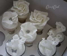 Photo shoot cupcakes...PERFECT FOR A BRIDAL SHOWER