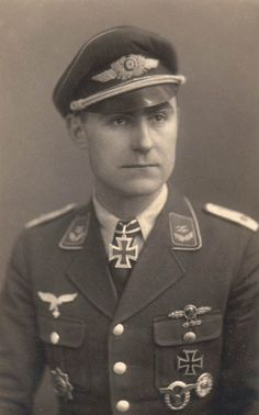 ✠ Richard Anders (3 January 1915 - 9 September 1993) RK 27.07.1944 Oberleutnant (Kr.O.) Flugzeugführer i. d. Nahaufkl.Staffel 11.(H)/12