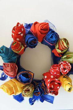 DIY floral wreath - by törtelyourlife 4th Of July Wreath, Floral Wreath, Wreaths, Diy, Home Decor, Floral Crown, Decoration Home, Door Wreaths, Bricolage