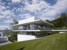 House by the Lake / Marte.Marte Architekten