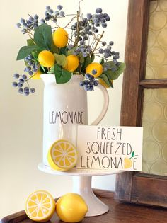Rae Dunn inspired fresh squeezed lemonade sign, teired tray sign, mini sign Who doesn't love fresh squeezed lemonade? Lemon Kitchen Decor, Farmhouse Kitchen Decor, Kitchen Vignettes, Kitchen Tray, Yellow Kitchen Decor, Lemonade Sign, Fresh Squeezed Lemonade, Seasonal Decor, Holiday Decor