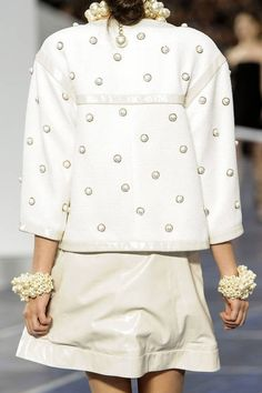 Chanel's prepared to please its pearl-lovers come spring 2013