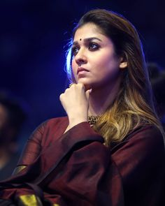 Nayanthara appeared the At 'Zee Awards' Tamil function in the stunning Brown colour saree. Nayanthara looks young and hot in her age. Indian Actress Images, South Indian Actress Hot, Most Beautiful Indian Actress, Indian Actresses, Nayanthara In Saree, Nayanthara Hairstyle, Nayantara Hot, Saree Poses, Heroine Photos