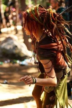 Shaman Dreads ॐ Hippie Life, Hippie Style, Hippie Mama, Dreadlock Hairstyles, Cool Hairstyles, Mundo Hippie, Estilo Hippie Chic, Beautiful Dreadlocks, Dreads Girl
