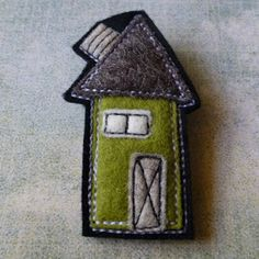 eclectic me blog: building a village one felt house at a time...Wool felt brooches - the house series by Gillian Hamilton