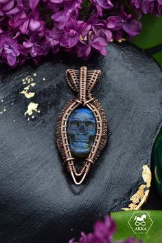 The skull is the symbol of LIFE, it represent communication, knowledge, wisdom and mind power and resonate with us as we are now incarnated in human form. Skull Necklace, Pendant Necklace, Life Symbol, Cancer Sign, Skull Head, Skull Pendant, Head Shapes, Crystal Skull, Wire Art