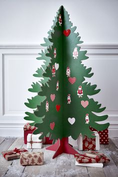 Complete with 40 decorative stickers (a selection of hearts and Santas), this 1 metre tall corrugated board tree is one of Ikea's less challenging ...