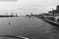 Unterwegs mit der Fähre (Linie 62) im Hafen von Hamburg
