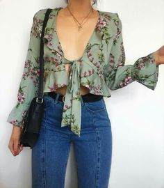 Find New Stylish Tops Idea for Womens Fashion at This Year. Spring Summer Fashion, Spring Outfits, Spring Style, Look Fashion, Fashion Outfits, Womens Fashion, Latest Tops Fashion, Casual Outfits, Cute Outfits