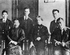 Eroshenko with Lu Xun (Lu Sin) in 1922 (A photograph taken in Beijing at the Esperanto Society by Marco Sotgiu)