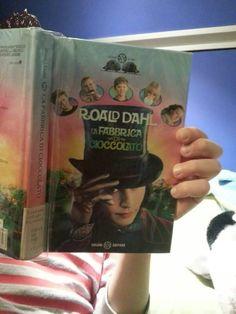 #cosastoleggendooggi #lafabbricadicioccolato #roalddahl  Roald Dahl La fabbrica di cioccolato. Il libro che ha riscosso più successo fino ad ora