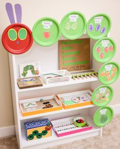 🐛 HUNGRY CATERPILLAR HAPPY TOT SHELF 🐛 It's been a while since I did a book theme Tot Shelf and this month we are re-exploring a good old…
