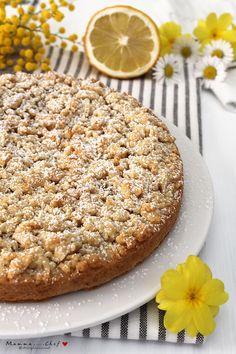 La sbriciolata con crema al limone è un dolce realizzato con una frolla leggera senza burro e uova e una crema al limone preparata con acqua