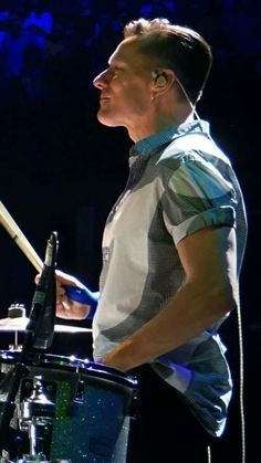 U2 - Larry Mullen Jr