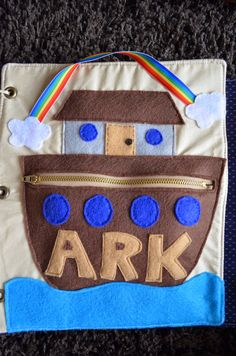 i K.A.N. craft: Quiet Book Page 13: Noah's Ark - With A Free Pattern!!