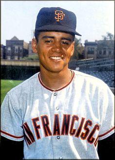 14- Néstor Isaías Chávez (nacio el 6 de julio de 1947 - murio el 16 de marzo de 1969) fue el venezolano numero 14 que jugó en la MLB, lo hizo con San Francisco Giants. Fue lanzador y era derecho. Era conocido como el látigo por la velocidad a la que lanzaba la bola.
