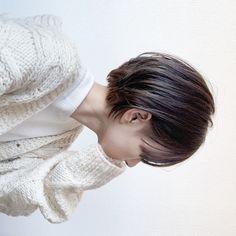 Color of hair Pixie Cut Color, Hair Color And Cut, Cute Haircuts, Cool Hairstyles, Short Bob Hairstyles, Shory Hair, Korean Short Hair, Shot Hair Styles, Hair Arrange