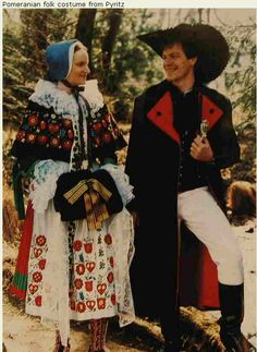 Hello all, Today I will try to give an overview of the folk costumes of Poland. This is a rather complicated subject, because the h. Folk Fashion, Ethnic Fashion, Traditional Fashion, Traditional Dresses, European Costumes, German Folk, Polish Folk Art, Country Wear, Historical Clothing