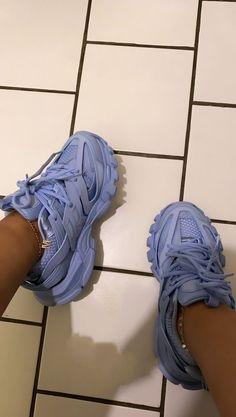 Crocs Fashion, Sneakers Fashion, Fashion Shoes, Shoes Sneakers, Jordan Shoes Girls, Girls Shoes, Vetements Shoes, Swag Shoes, Aesthetic Shoes