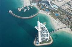 Dubai;  History, shopping at luxurious malls or traditional Arab markets, sky scrapers, seven stars hotel, (...)