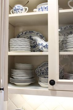 Kitchen Cabinet Detail (Cultivate.com) Display the Blue Danube China with glass doors. #cultivateit