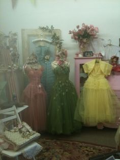 There was a magic in these gowns.. If i had a place to go, I would wear one of these!