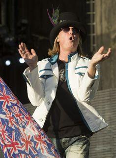 (Rick Egan | The Salt Lake Tribune) Joe Elliott sings for Def Leppard as