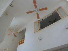 吹き抜けの家の温度差を解消するシーリングファンとサーキュレーター