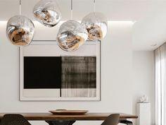 Melt de @tomdixonstudio est une lumière magnifiquement déformée qui crée un effet de verre soufflé à chaud fondant fascinant. Sa surface rappelle l'intérieur d'un glacier en fusion ou des images de l'espace lointain. Pour en savoir plus, visitez nous en boutique! Pendant Lamp, Pendant Lighting, Chandelier, Shed Interior, Interior Design, Tom Dixon Melt, Living Room Sofa Design, Swedish Design, Contemporary Design